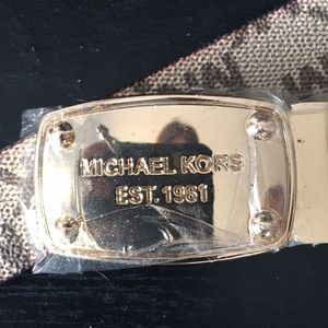 NWT reversible Michael Kors belt
